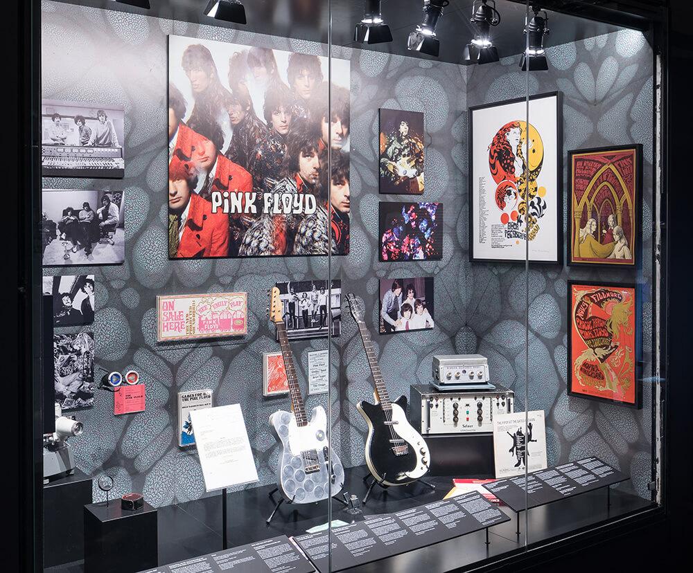 Pink floyd exhibition en Madrid Ifema, instrumentos musicales de coleccionista