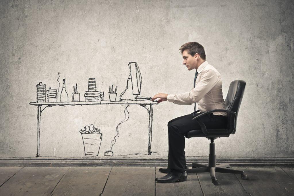 Iværksætter arbejder på virtuelt kontor