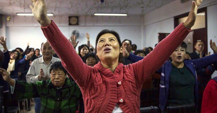 Til tross for at forfølgelsen øker, tiltar den kolossale historiske vekkelsen i Kina.