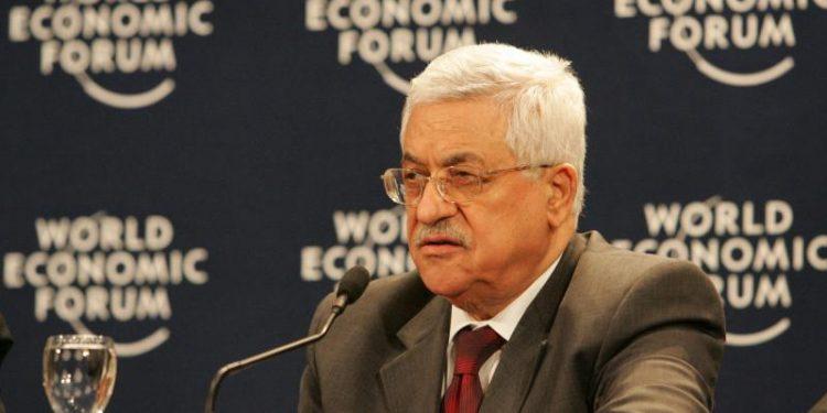 Palestinernes president Mahmoud Abbas, en grusom antisemitt, med blod på hendene, som bli anerkjent av alle vestlige statsledere som en al right kar (foto: Wikimedia Commons/World Economic Forum).