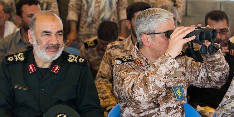 Sardar H. Salami (til høyre) og Sardar M. Bagheri (foto: Hosein Zohrevan i Wikimedia Commons).