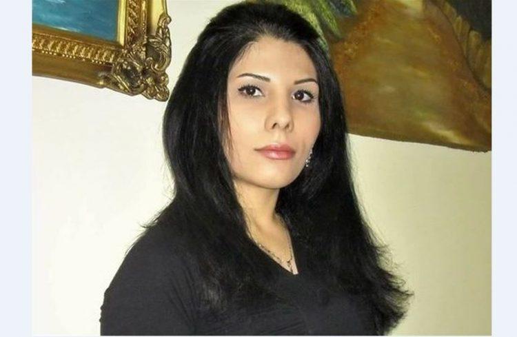 Den iranske journalisten Nada Amin har flyktet fra Iran til Israel. Hun har arrangert    en demonstrasjon til støtte for det iranske folk, mot regimet i Iran , ved Jaffa-porten i Jerusalems gamleby. Foto: United with Israel.