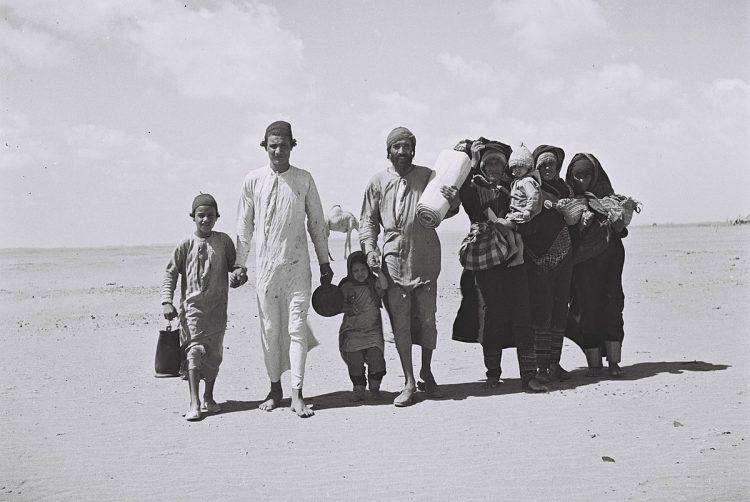 I 1967 hadde 250 000 jøder forlatt Marokko, noen flyktet til Europa og USA, mens en stor del av dem immigrerte til Israel. (Wikipedia)