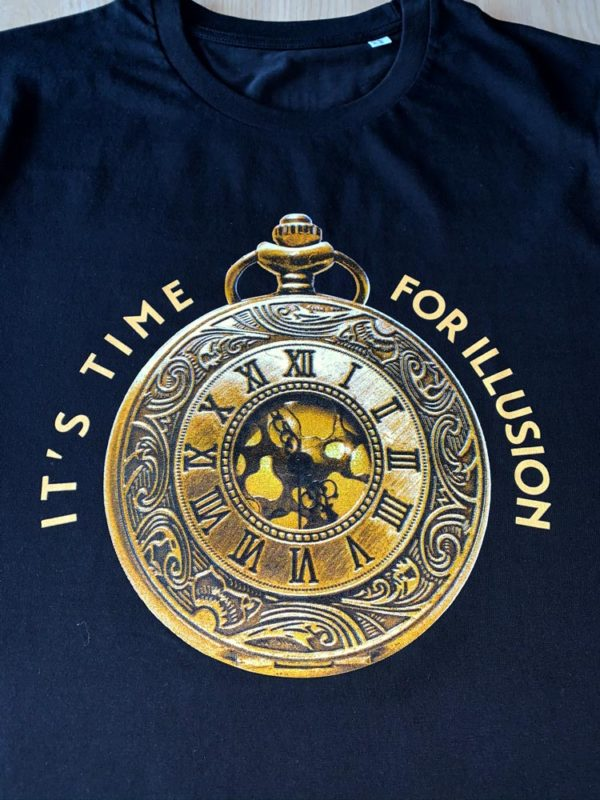 T-Shirt It's Time For Illusion (Voor - Zoom)