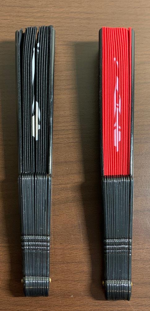 Illusion waaiers Rood en Zwart (gesloten)