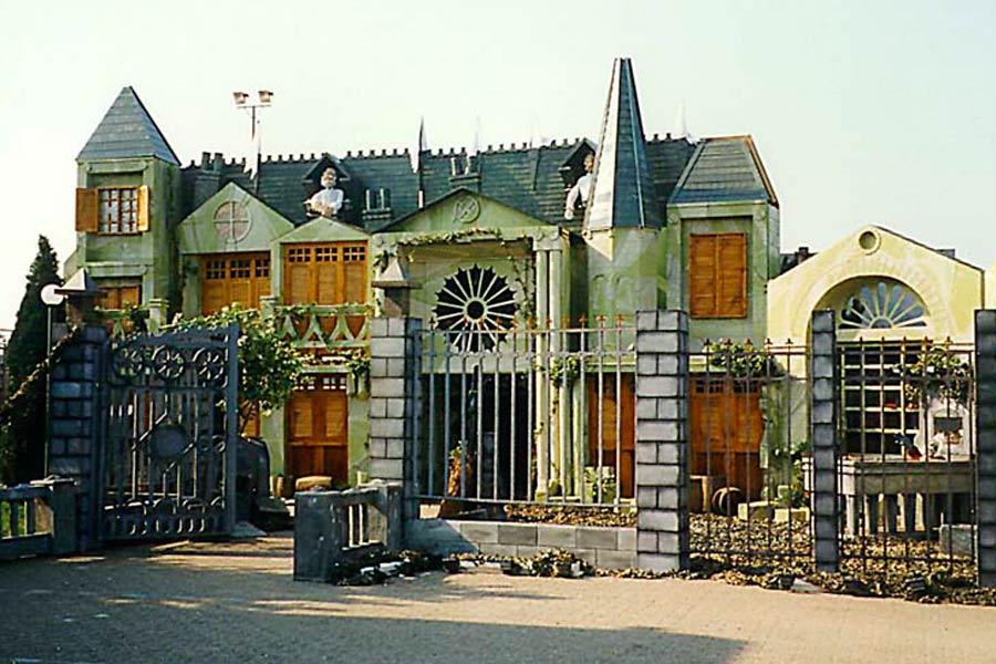 Horror Mansion Decoration