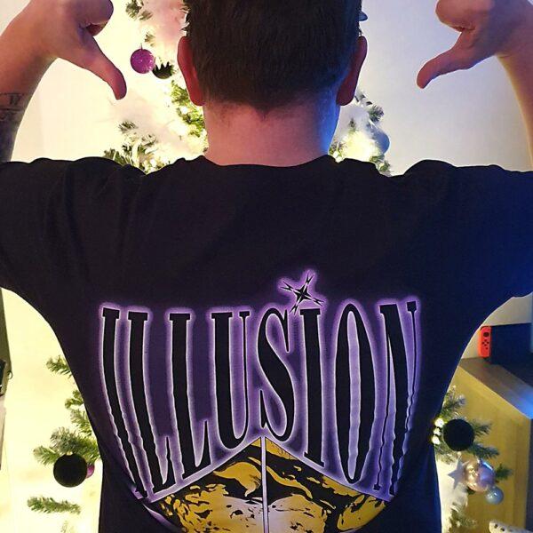 Illusion Mindblowing T-Shirt