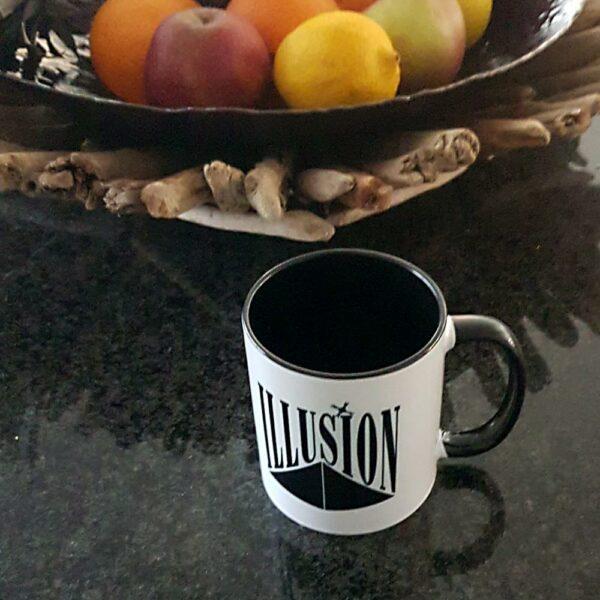 Illusion Mok White and Black