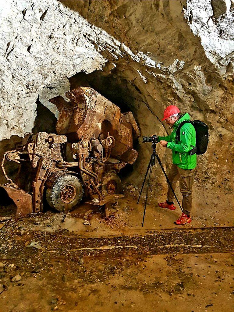 Backstage Gabriele Ardemagni riprese nelle miniere di Cortabbio
