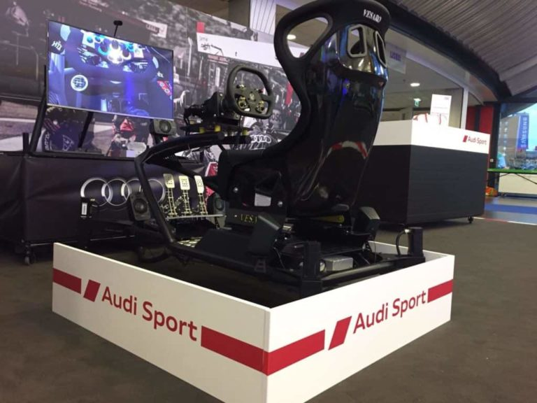 De bewegende 4D motion race simulator huren is ideaal voor BMW, PON, Mercedes, autobedrijven en automotive partners