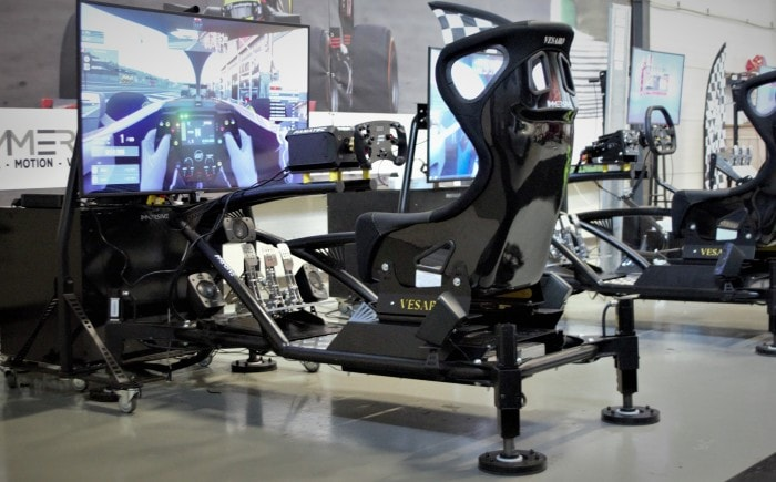 De bewegende motion race simulator huren in Nederland