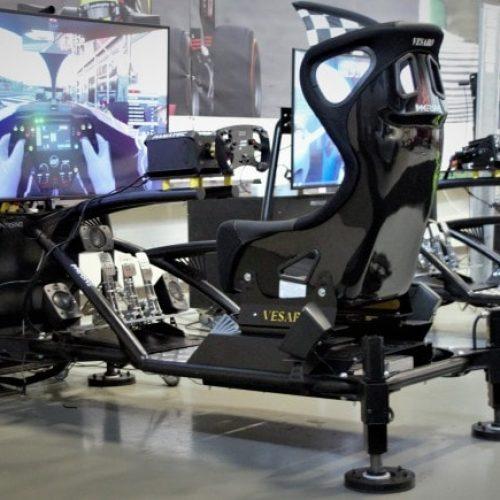 De bewegende motion race simulator huren in Nederland