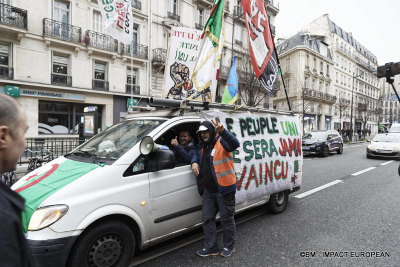 25-manif algeriens 25