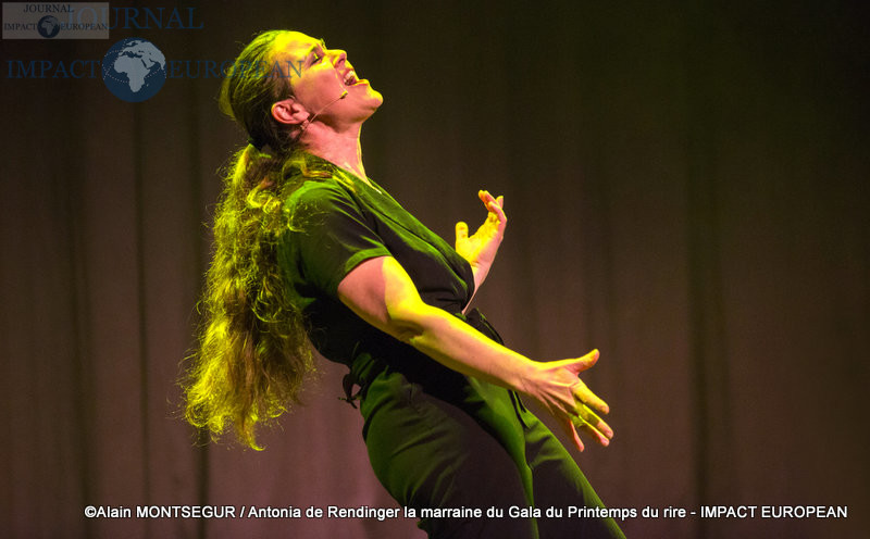 Antonia de Rendinger la marraine du Gala du Printemps du rire 11