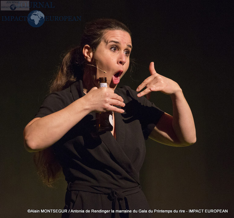 Antonia de Rendinger la marraine du Gala du Printemps du rire 12