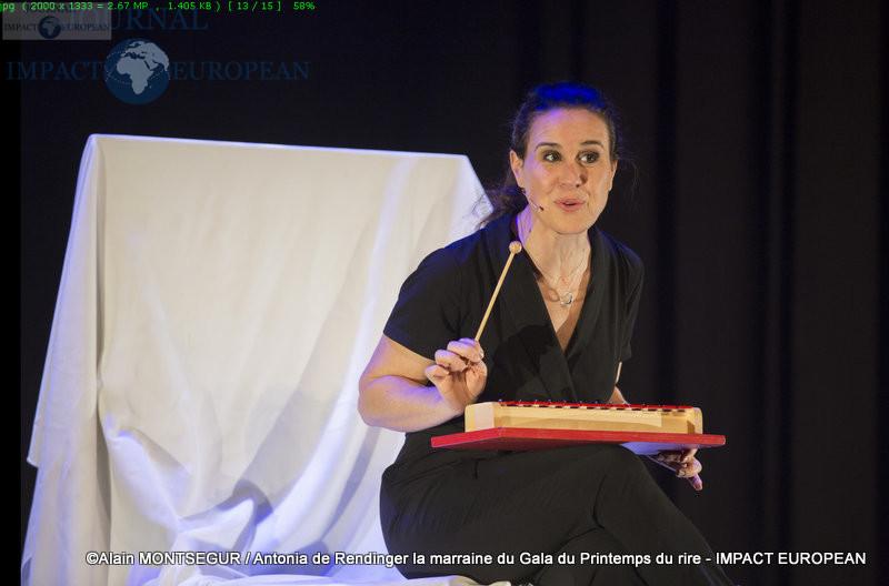 Antonia de Rendinger la marraine du Gala du Printemps du rire 13