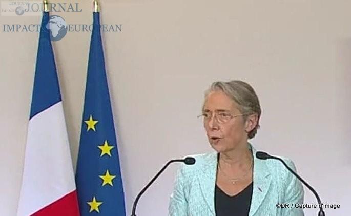 Elisabeth Borne (Ministre de la transition écologique et solidaire, chargée des transports)