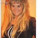 La chanteuse Sloane se mobilise pour nos aînés