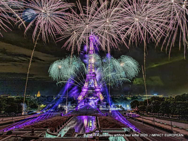 feu artifice tour eiffel 2020 37