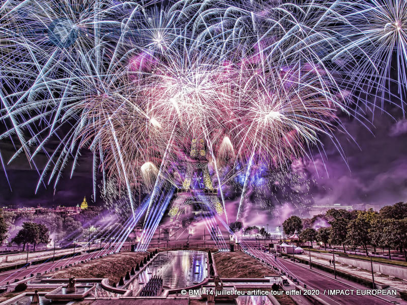 feu artifice tour eiffel 2020 53