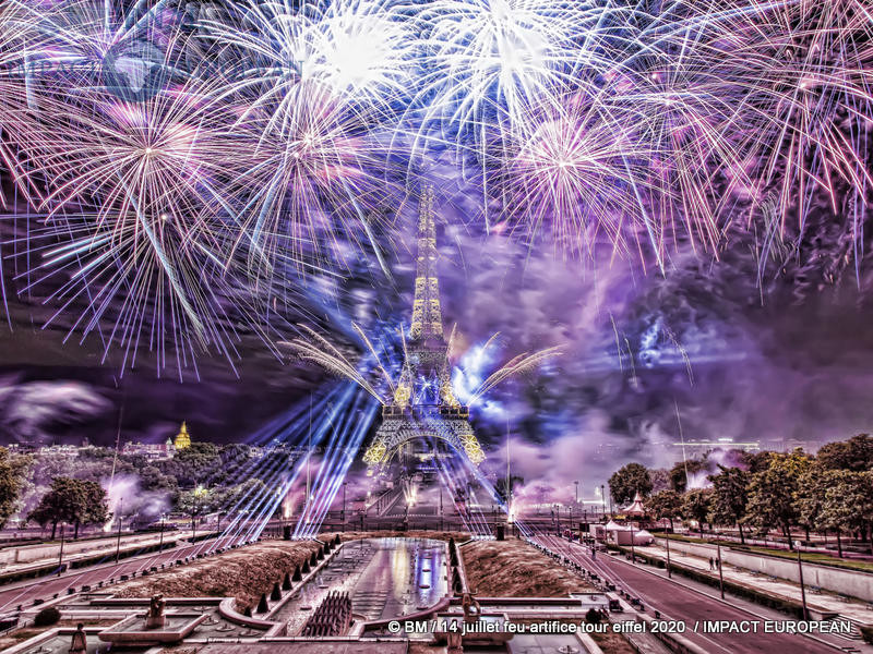 feu artifice tour eiffel 2020 54