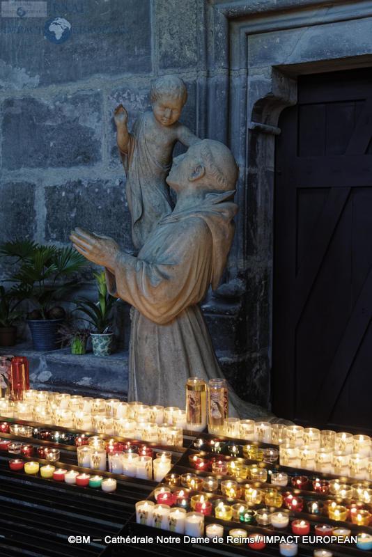 Cathédrale Notre-Dame de Reims 03