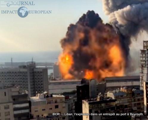 L'explosion dans un entrepôt au port à Beyrouth 9