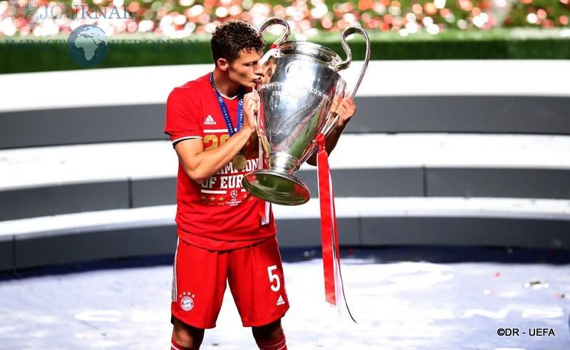 Six-time winners FC Bayern München!3