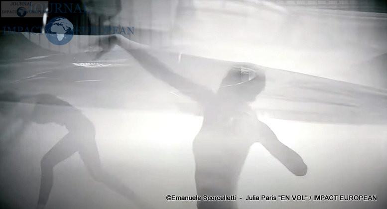 Julia Paris - En vol