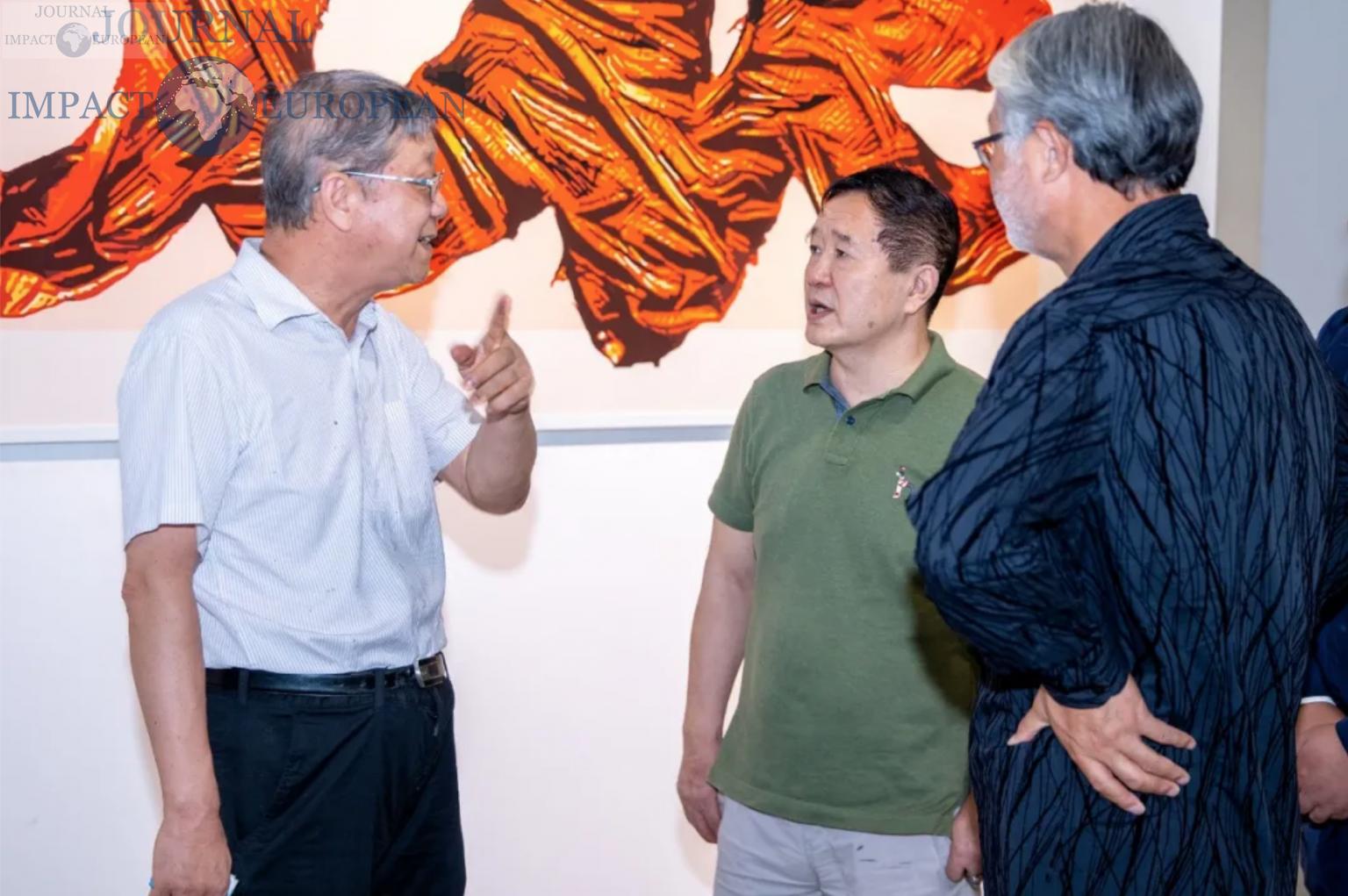 Shuang Ning (à gauche), Yishan (au milieu), Jia Tingfeng (à droite) pour un échange artistique