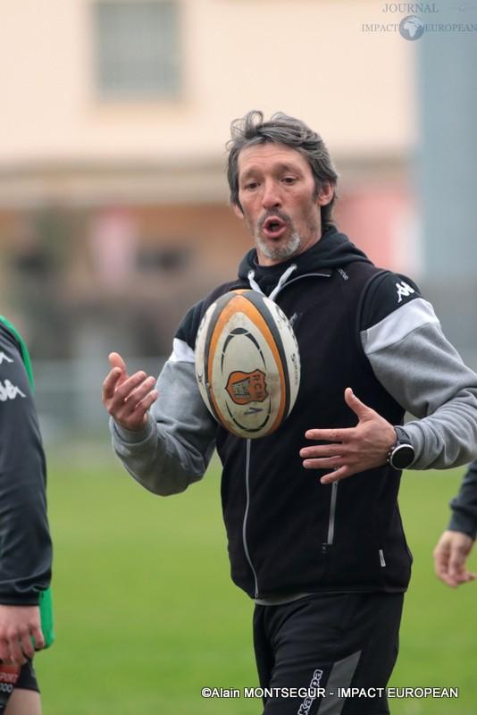 Laurent Balue , l'entraîneur de Narbonne