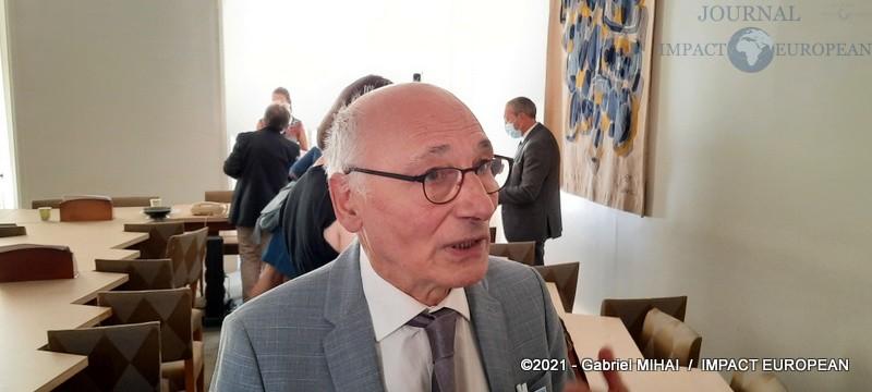 Gabriel MARTINEZ-GROS (professeur des univertités émérite)