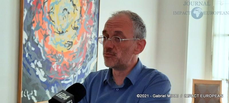 Frédéric ENCEL (Dr HDR en geopolitique à Paris School of Business)