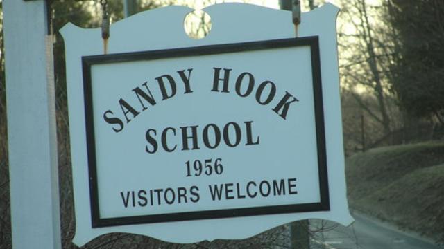 1 Jaar na de Sandy Hook schietpartij: Vrijgegeven 911 tapes bewijzen toneelstuk