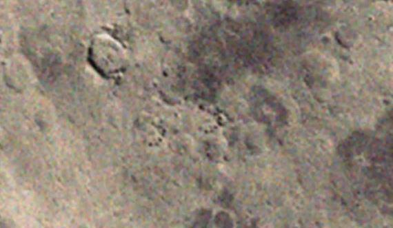 NASA Klokkenluider: Gigantische L-vormige ruimteschepen geparkeerd achter de Maan