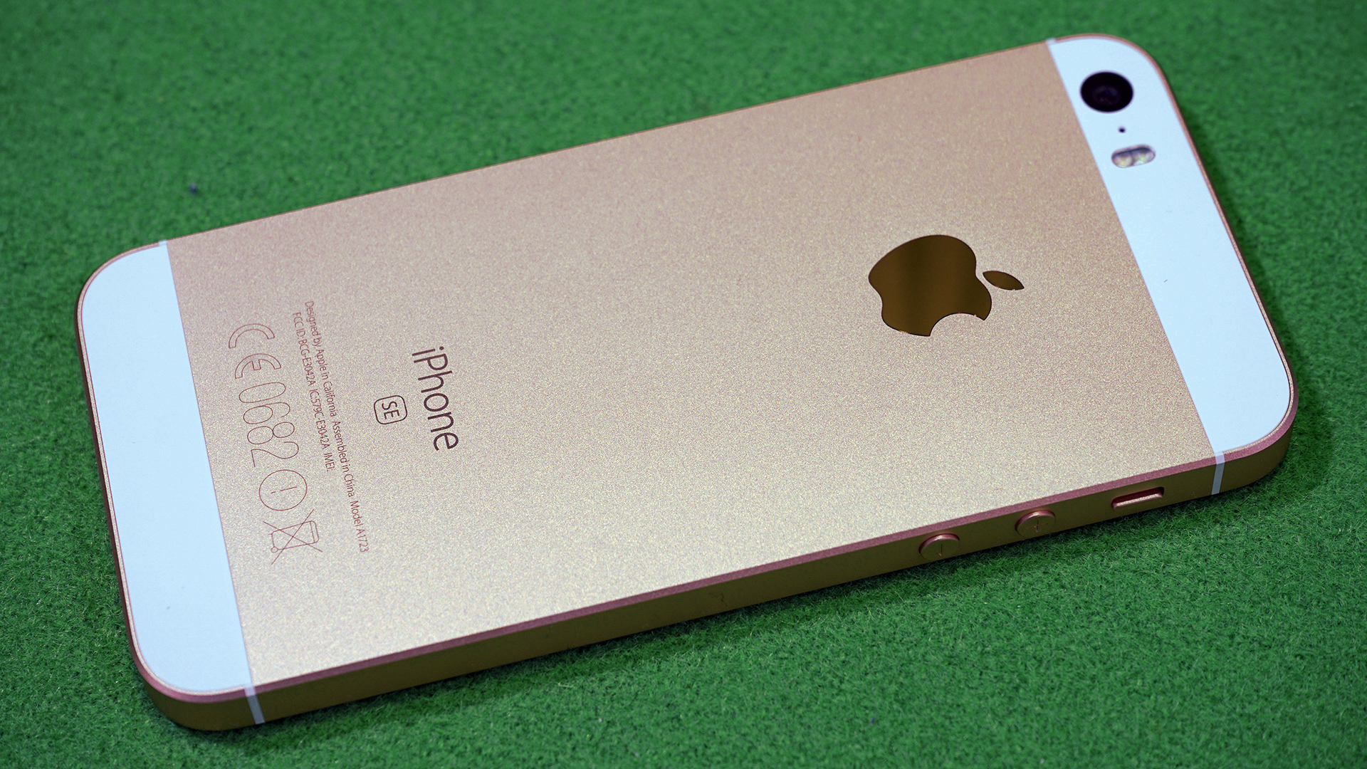 Komt er een Iphone SE2 ?