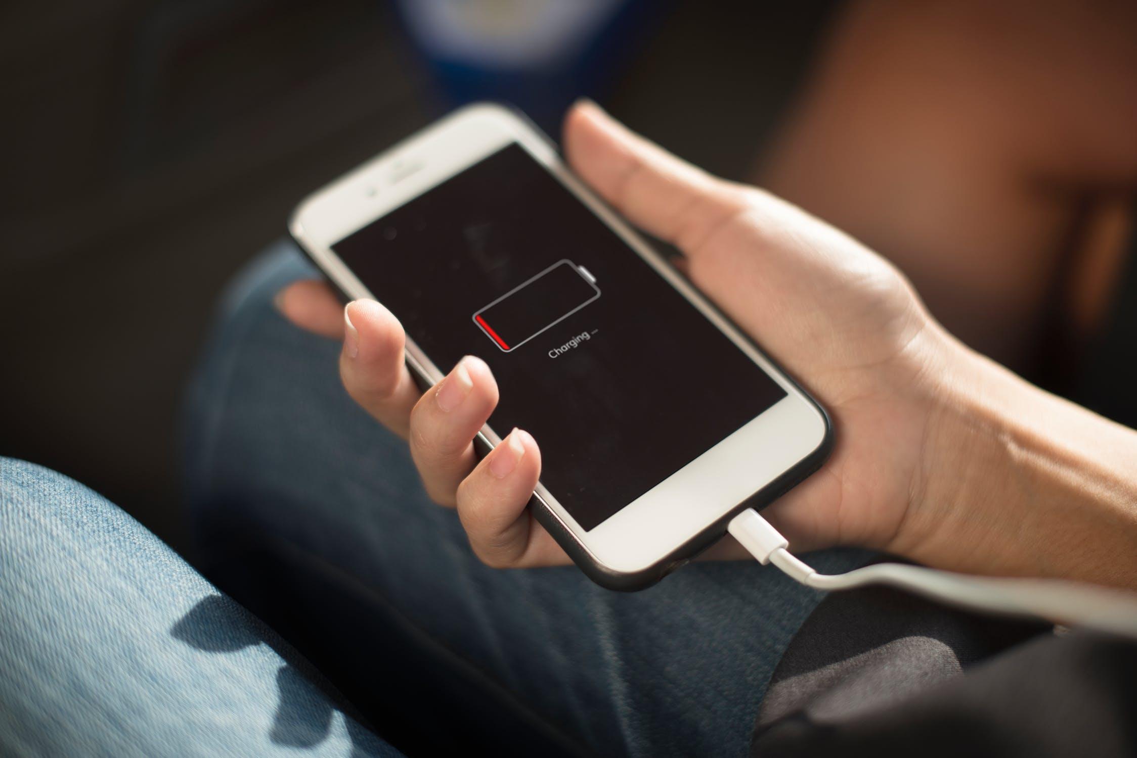 smartphone-met-een-lange-accuduur