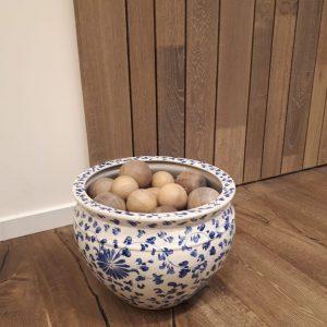Decoratieve houten bollen