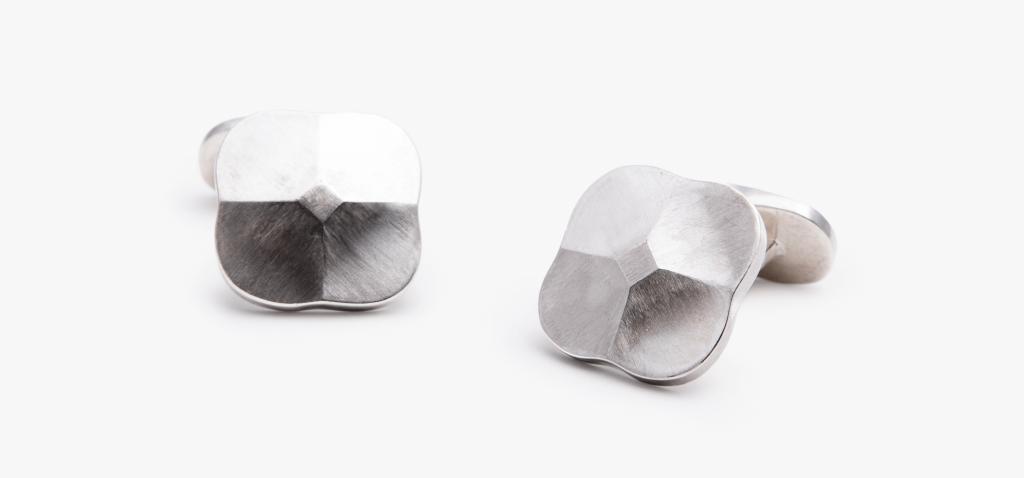 Corinna Dolderer, Manschettenknöpfe, Isabella Hund Gallery