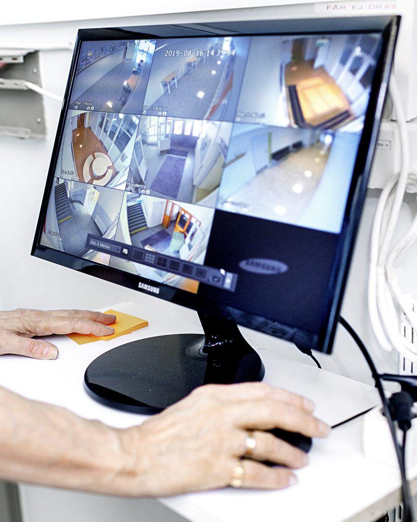 Bildskärm med kameraövervakning, ISG Nordic AB