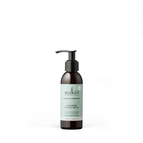 Viser praktisk pumpeflaske med Claring Facial Wash fra Sukin