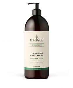 Viser en pumpeflaske med Sukin Cleansing Hand Wash 1 liter