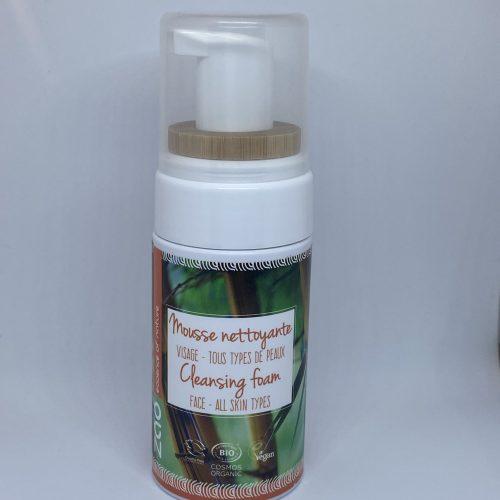 Viser pumpeflaske med Cleansing Foam fra Zao
