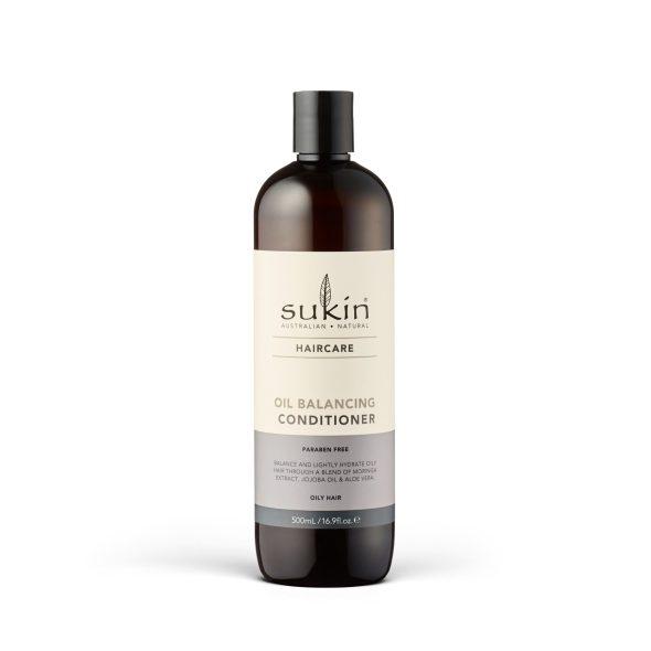 Viser balsam flaske med Oil Balancing Conditioner fra Sukin