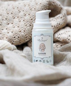 Viser pumpeflaske med Lotion fra Lille Kanin