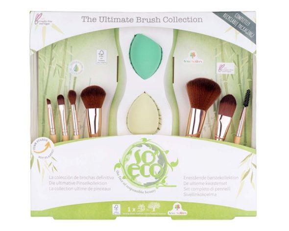 Viser alle 7 børstene og 2 svamper i original forpakning. Fra The Ultimate Brush Collection settet fra So Eco