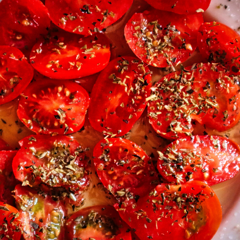 extra virgin olive oil and tomatoes