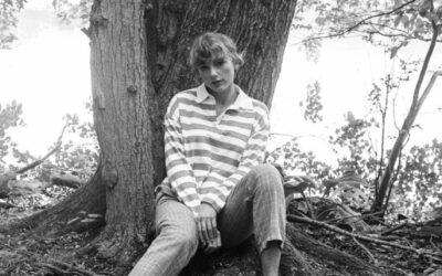 Anmeldelser af nye plader: Taylors cottagecore og Mileys 80er forstoppelse