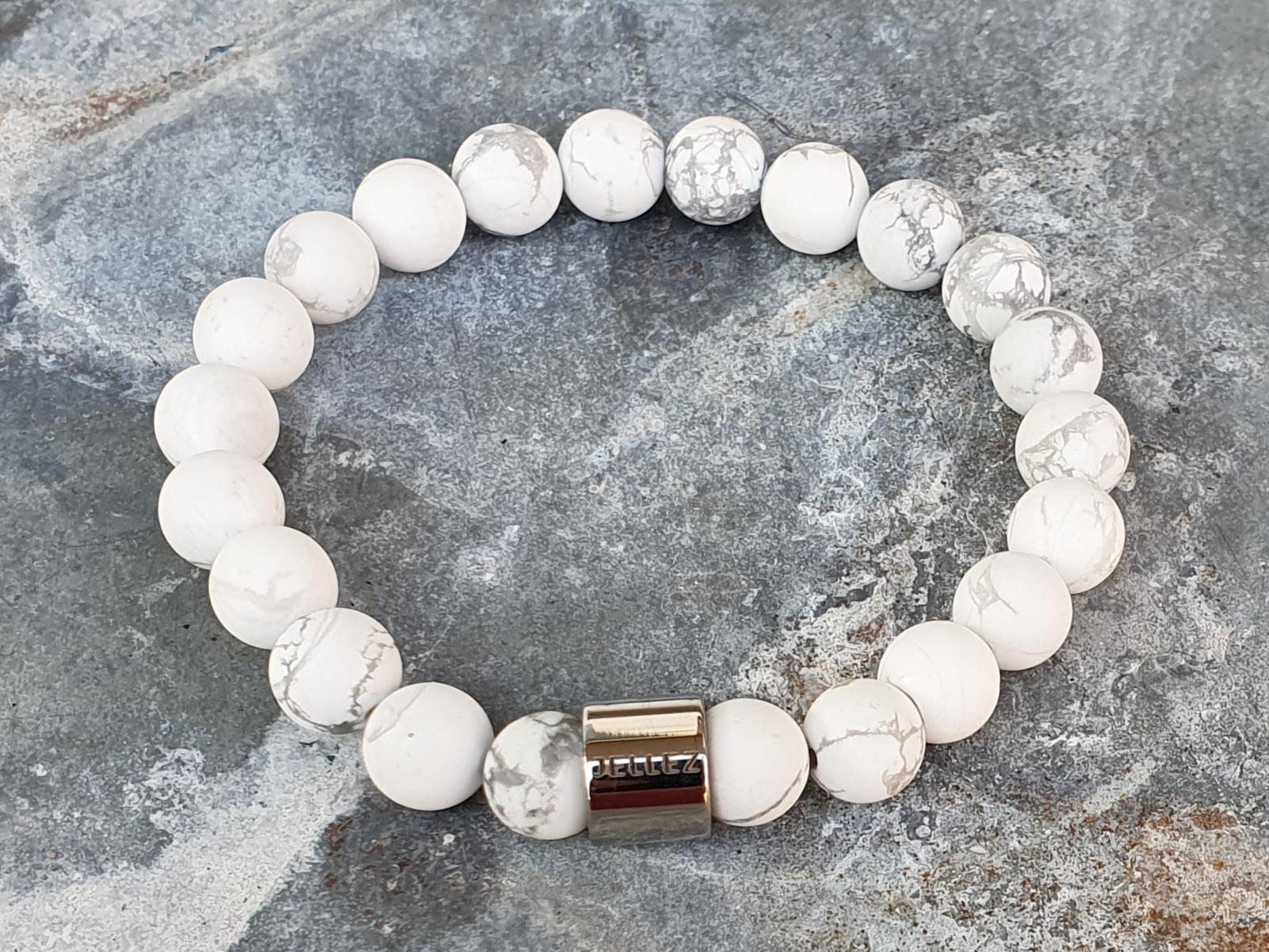 Basic (eenvoudig) wit natuurstenen armband