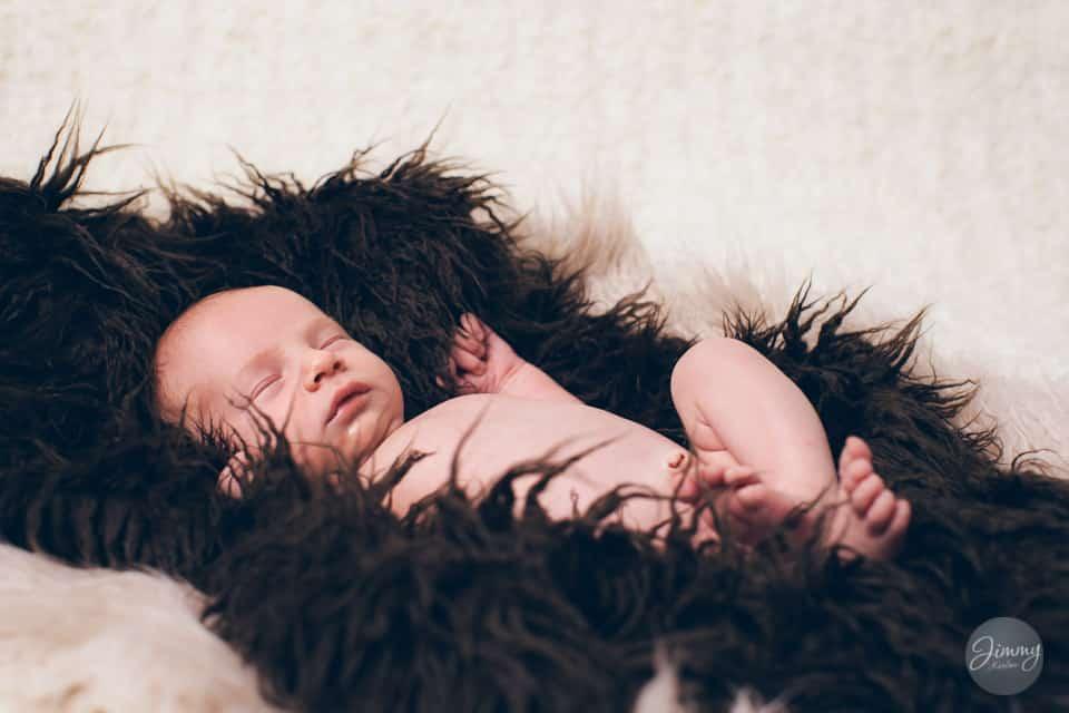 Nyfødtfotografering i Skien Porsgrunn og Grenland